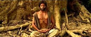 Siddaharta (Kenau Reeves) in meditazione